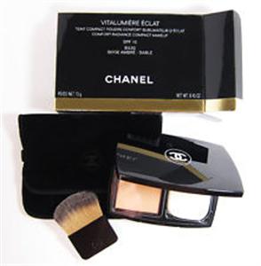 Chanel Vitalumière Éclat Kompakt Púder