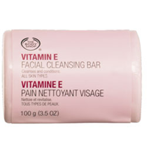 The Body Shop E Vitaminos Arctisztító Szappan