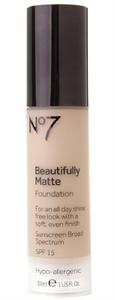 No7 Beautifully Matte Alapozó SPF15