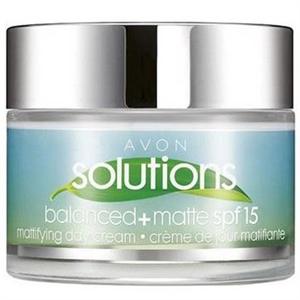 Avon Solutions Balanced+ Mattító Nappali Krém SPF15