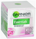essentials-24h-hidratalo-krem-vedo-rozsa-kivonattal-png