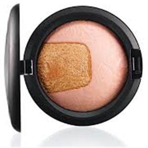MAC Divine Night Mineralize Skinfinish