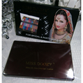 Miss Doozy Shiny 20 Colour Wet Eyeshadow