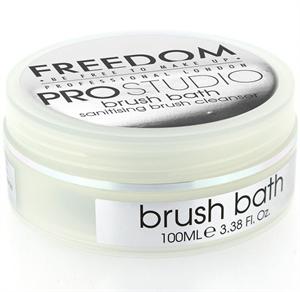 Freedom Makeup Pro Studio Solid Brush Bath Ecsettisztító Szappan