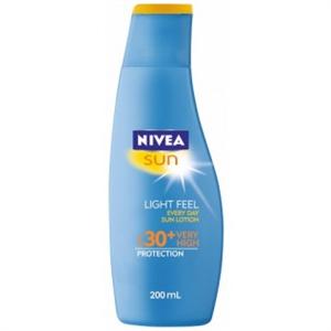 Nivea Sun Light Feeling Sun Lotion SPF30
