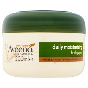 Aveeno Daily Moisturising Vanilla & Oats Yogurt Cream