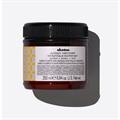 Davines Alchemic Golden Conditioner, Színező, Színfrissítő Kondícionáló - Arany Árnyalat