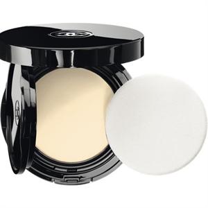 Chanel Vitalumière Aqua Fresh and Hydrating Cream Compact SPF15