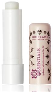 Oriflame Essentials Ajakbalzsam Makadámdió-olajjal
