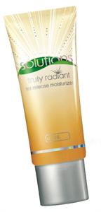 Avon Solutions Truly Radiant Vip Szinezett Hidratáló Krém SPF20