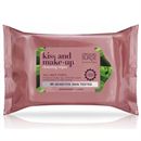 kiss-and-make-up-cleansing-wipes-jpg