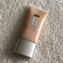 Clinique Stay-Matte Oil-Free Makeup Alapozó - 02 ALABASTER árnyalatban