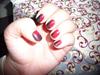 Vörös-fekete körmök