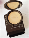 Becca Shimmering Skin Perfector Pressed Highlighter MOONSTONE