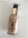 Max Factor Facefinity All Day Flawless 3in1 Alapozó NATURAL 50