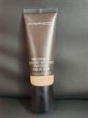 MAC Pro Longwear Nourishing Waterproof Foundation N18 szín