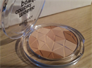 800 ft Essence Mosaic Compact Powder