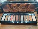 Urban Decay Naked Reloaded Eyeshadow Paletta