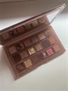 16.500ft/Huda Beauty Naughty Nude Eyeshadow Palette