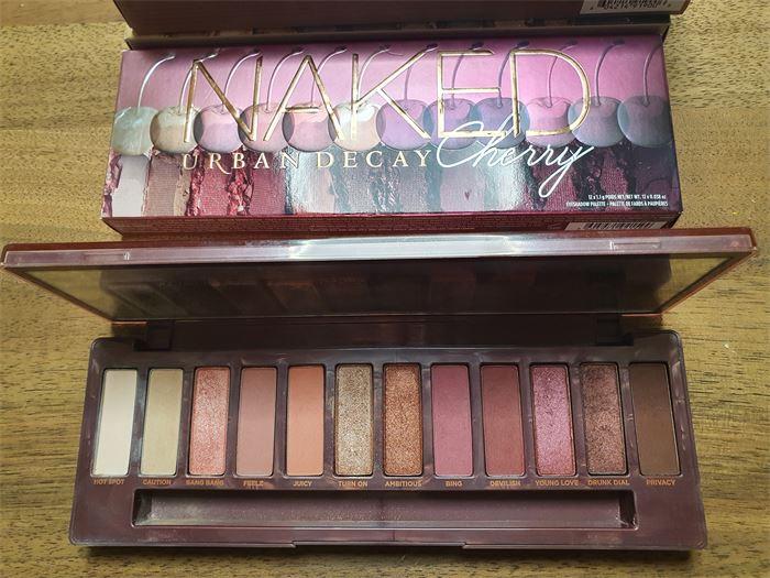 Eladó: Urban Decay Naked Cherry Eyeshadow Palette
