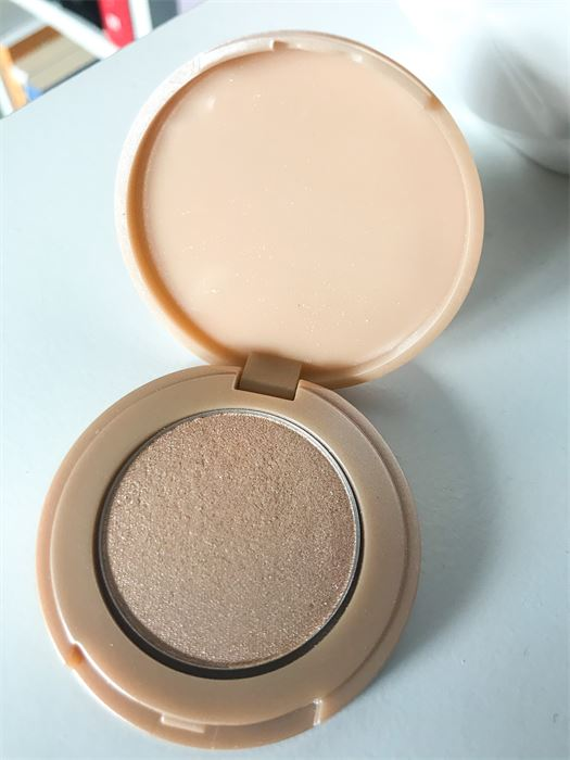 Tarte Amazonian Clay Highlighter Review & Swatches
