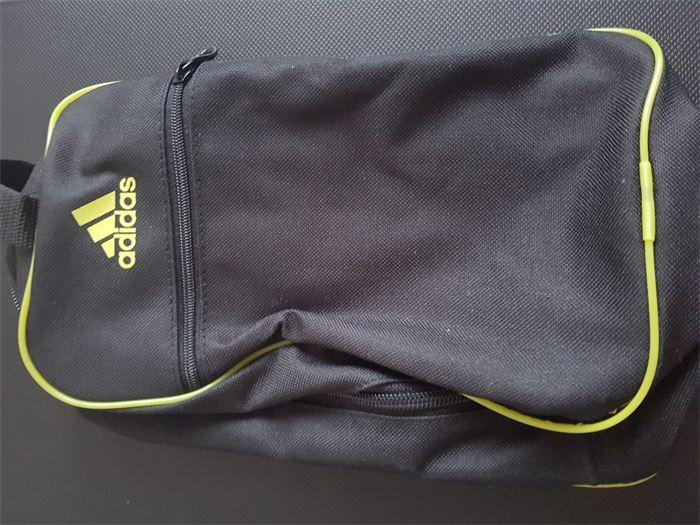 Eladó  Adidas táska 617a29d345