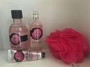 The Body Shop British Rose Tusfürdő zuhanypamaccsal