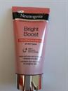Neutrogena Bright Boost Bőrmegújító Arcradír